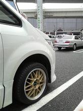 なぜか横浜?