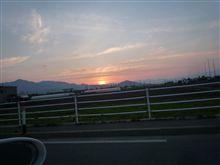 黄昏時のドライブ