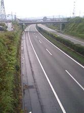 一台も走っていない静かな東名高速です\(゜□゜)/