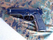 本物の拳銃
