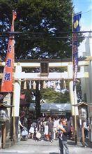 八王子の子安神社へ行き、泣き相撲に参加しました。