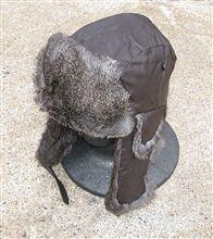 冬の帽子は飛行帽。