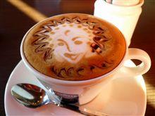 コーヒーカップの中の小さな芸術