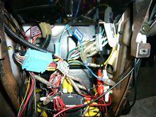 無線機とアンテナ線と追加メーター配線とサービスセンターとオートバックスとジェームスとスーパー。