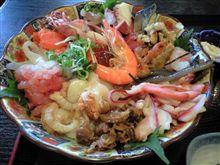 海鮮丼と濁り湯とアウトレット