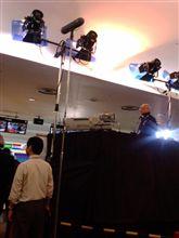 外人帰国&会社にテレビ局来る。