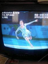 生中継でキムヨナのスケートを演技しています♪(*^ ・^)ノ⌒☆
