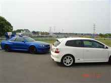 EP3タイプR と R34GT-R