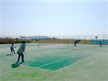 朝からテニス
