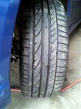 タイヤ交換4台