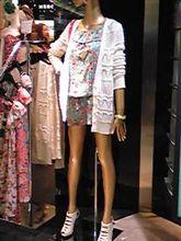 女の服の店