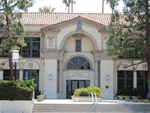 Beverly Hills 90210 と Buffy the Vampire Slayer の高校