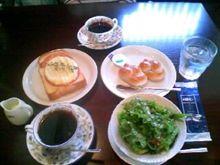 遅めの朝食 100530