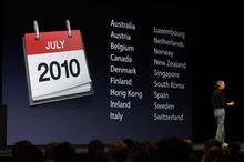 Steve Jobs introduces iPhone 4 at WWDC