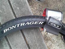 タイヤ交換・・・