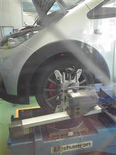 タイヤ組み換え&アライメント調整