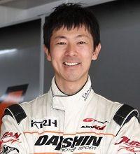 レーシングドライバーの青木孝行選手が、みんカラ+に登場!