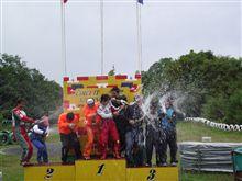 耐久レースで表彰台