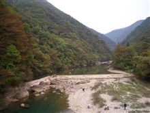 抱返り渓谷(だきがえりけいこく) 秋田県仙北市