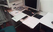 机が書類の山田。(笑)