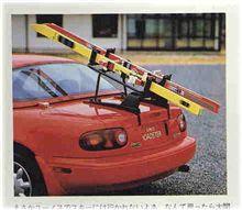 ガレージに、ロードスターが一台だけの、ライフスタイル