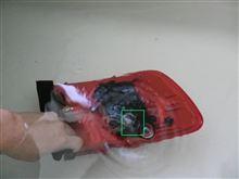 テールランプの水侵入箇所の調査