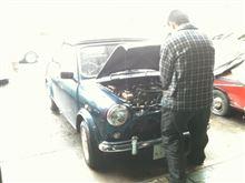 本日のミニ(旧車の洗礼w)