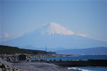 駿河湾から富士山を望む