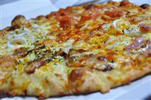 ピザ(゚д゚)ウマー