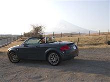 春霞にけむる富士山とツーシーターツーショットw