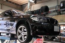 リジカラ取付け:BMW 1シリーズ リア Spoon/RIGID COLLAR/リジッドカラー