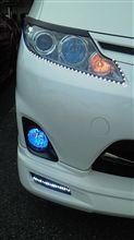 ヘット ライトに、LED テープ WHITE を アウディーライン風に 仕込みました