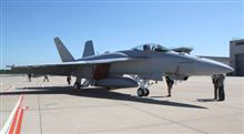 日本にアピール、改良型FA-18、お披露目。