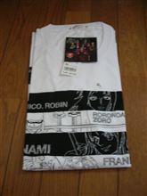 ユニクロ「ワンピースTシャツ」