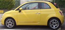 レアな黄色いフィアット500(チンクチュエント)♪