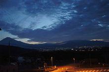 帰省から戻り、富士川SAにて。
