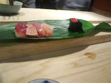 築地で寿司
