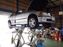 メンテナンスは大事....BMW E36 320....エンジンオイル交換..FUCHS 5W40