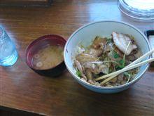 ちょっと北海道仕様の豚丼を食べてみた。