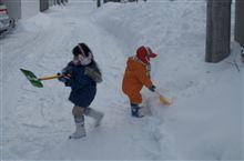 10cm程の積雪があったため子どもらと一緒に除雪しました。
