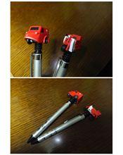 走る集配車付ボールペンと走る配達用バイク付ボールペン