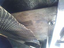 遮熱板の取り付け