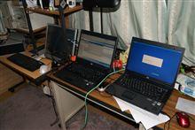 2台のノートパソコンにOSのインソール中