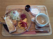 『cafe 円居』にてモーニング。