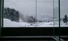 まだ雪の中
