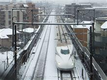 N700系、雪の中を東京に向け