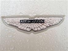 雨に濡れる、アストン