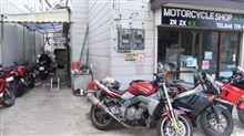 またバイク屋に行ってきました