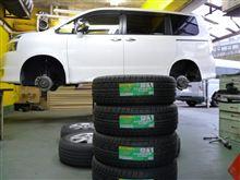 タイヤ交換 EC202  ヴォクシー ダンロップ