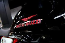 V7の伝説は進化していく。MOTO GUZZI V7 RACERのガラスコーティング【ラディアス川崎】